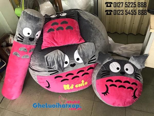 ghe-hat-xop-totoro-phoi-xam-hong