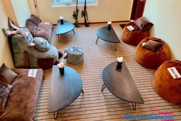 Ghế lười và bàn thấp – xu hướng nội thất đáng lưu tâm